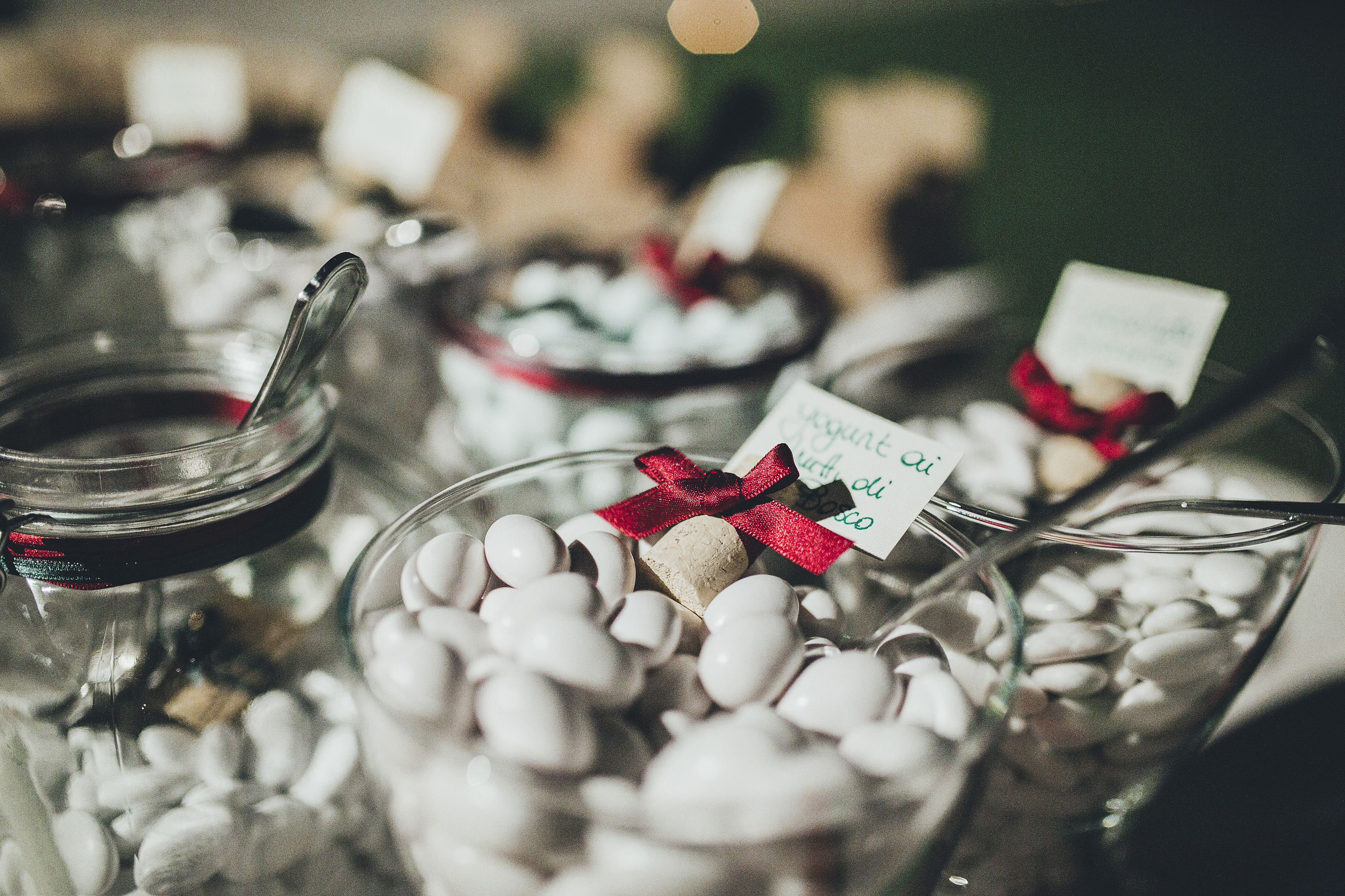 confetti your wedding in villa